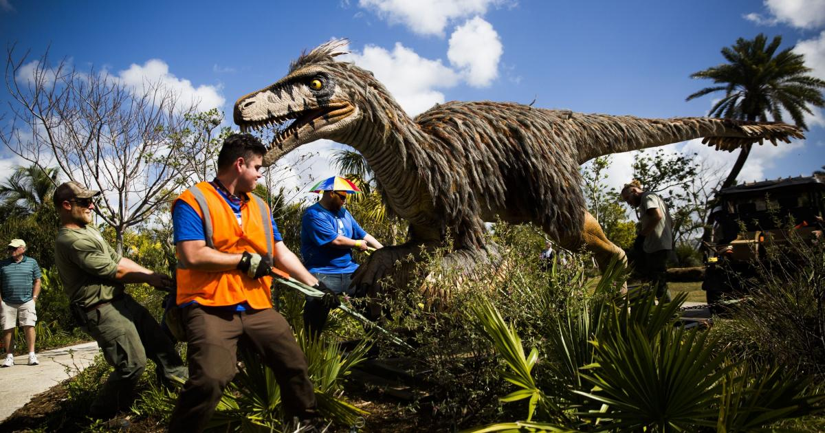 Animatronic dinosaurs come to life at Naples Botanical Garden