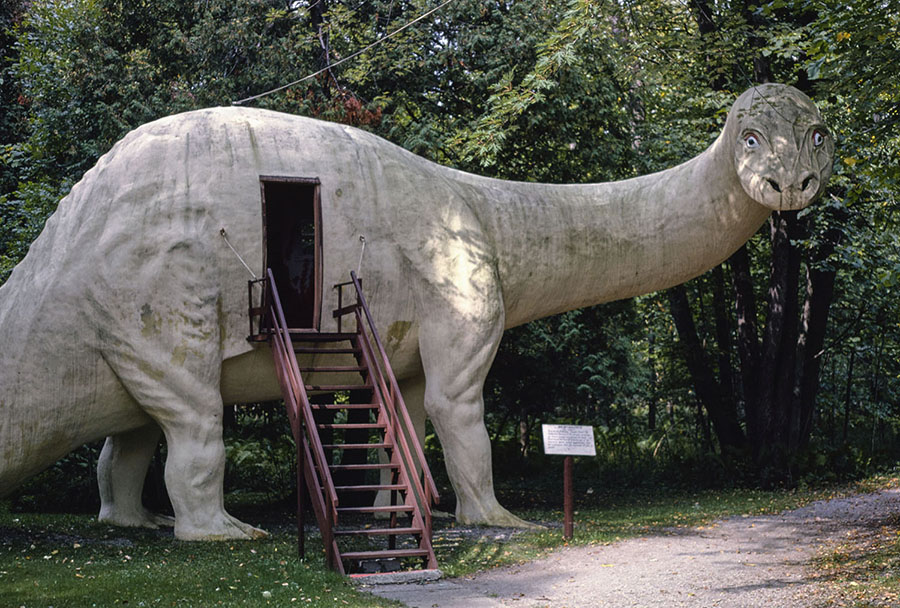 A Brontosaurus awaits visitors at Dinosaur Park on Route 23 in Ossineke, Michigan, in 1988. #  John Margolies / Library of Congress