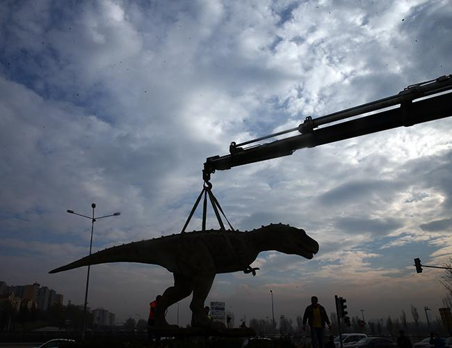Ankara's New Mayor Removes Gökçek's Controversial Dinosaur Statue