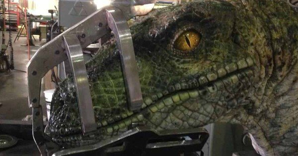 Jurassic World 2 Set Photo Teases Old School Animatronic Dinosaurs