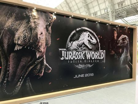 Jurassic World Fallen Kingdom banner with Owen, Blue & Rexy