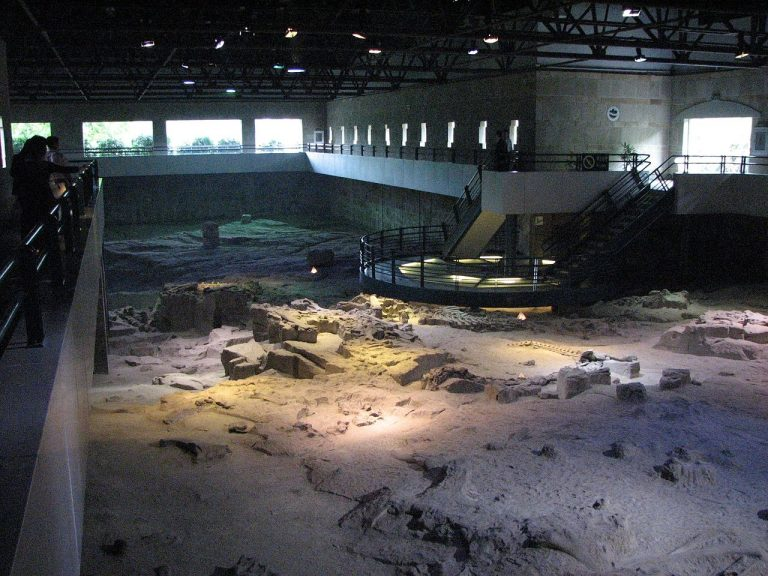 One of the excavation pits of the Zigong Dinosaur Museum. Photo by Phreakster 1998