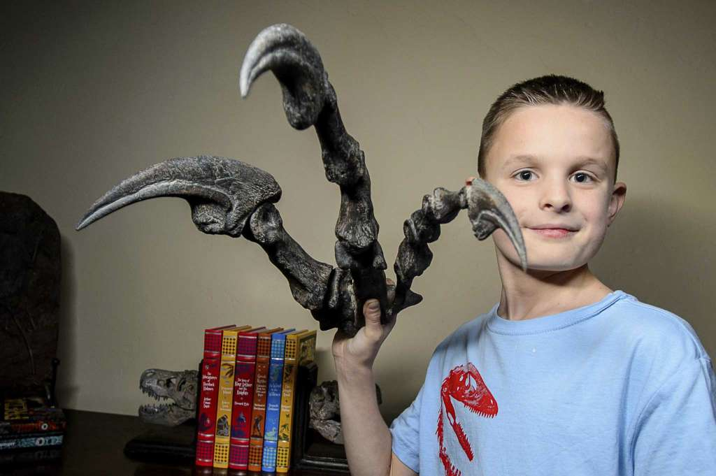 Young dinosaur fan sways Utah senator to change state fossil